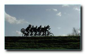 Тандем велосипедный для дружного коллектива