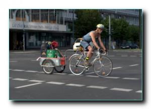 Прицеп к велосипеду