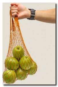 Авоська. практичный аксессуар для овощного шопинга родом из Советского Союза.