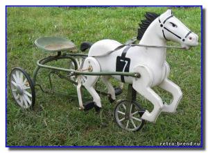 Конь педальны